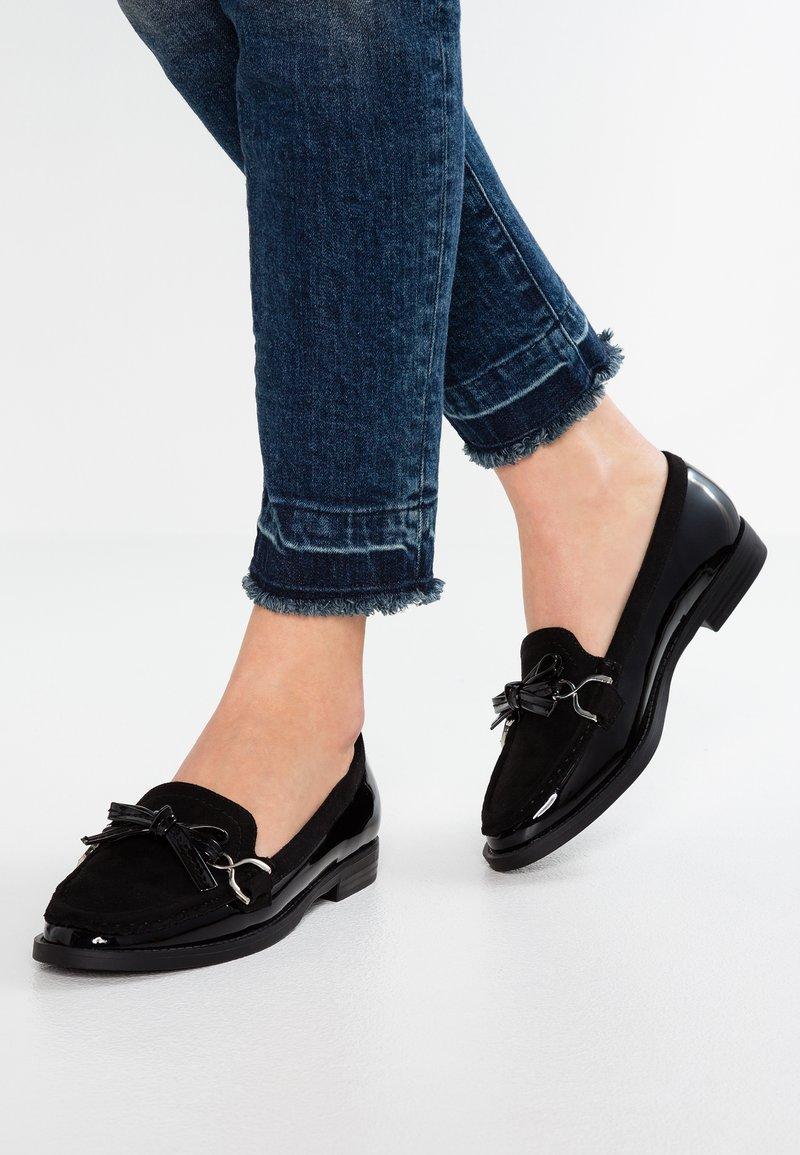 Wallis - BLAIR - Slip-ons - black