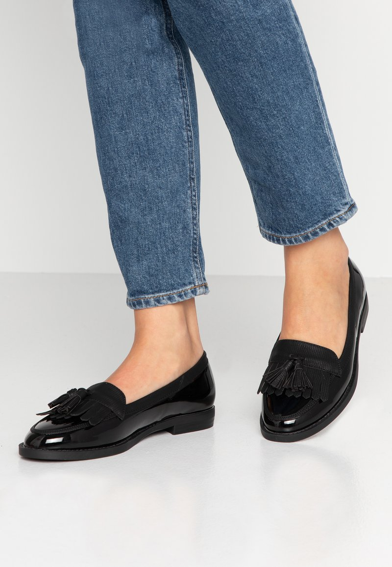 Wallis - Slip-ons - black
