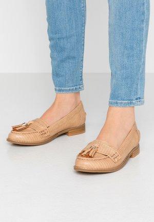 BLUEBELL - Scarpe senza lacci - beige