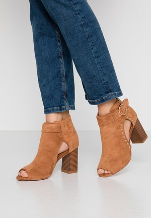 SHERLOCK - High heeled ankle boots - tan