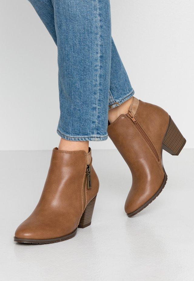 ARABELLA - Ankle boots - camel