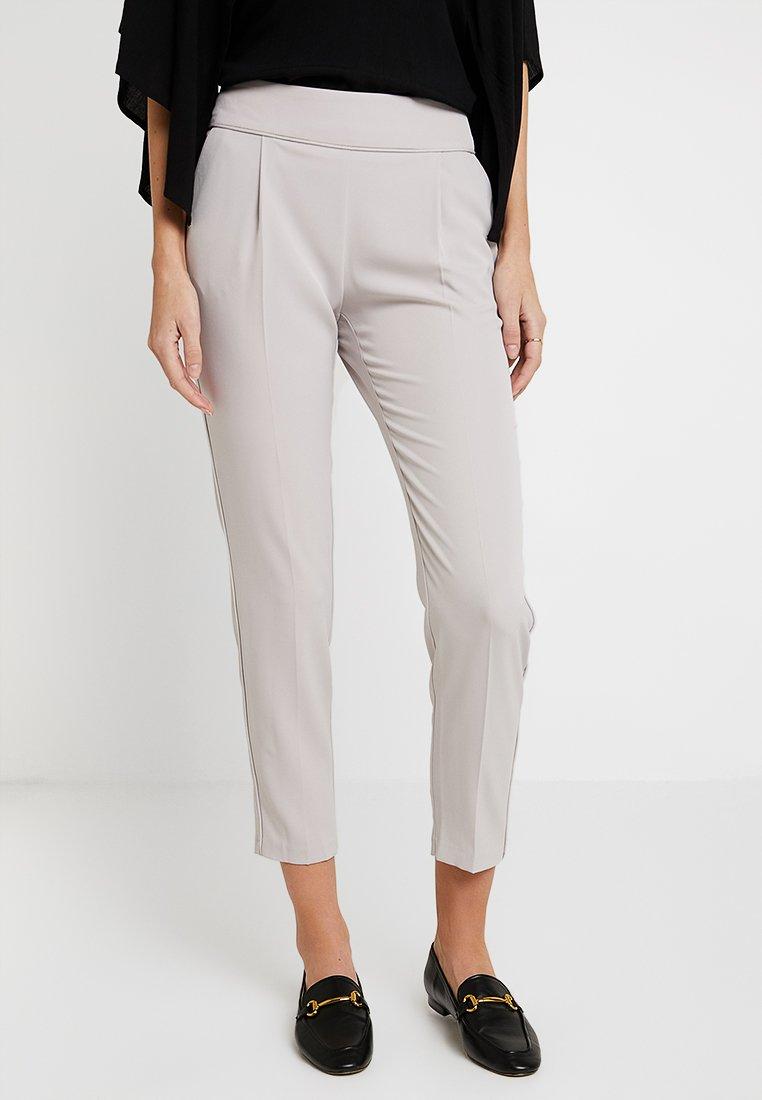 Wallis - HENNA PIPED PULL ON - Pantalones - silver