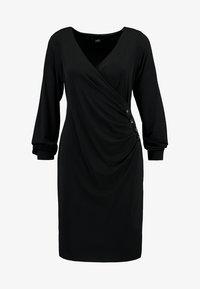 Wallis - BUTTON SIDE WRAP DRESS - Robe en jersey - black - 5