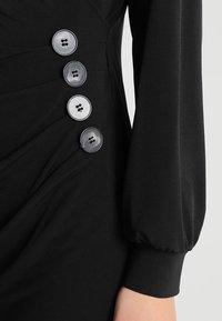 Wallis - BUTTON SIDE WRAP DRESS - Robe en jersey - black - 6