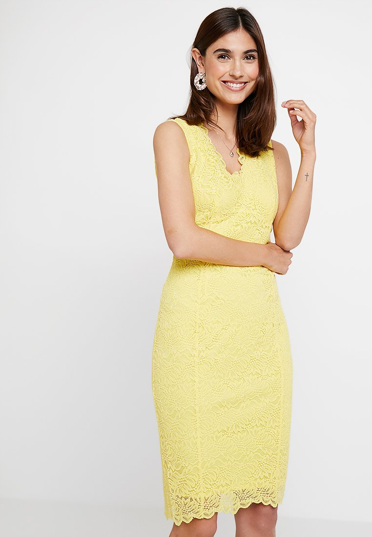 Wallis - SCALLOP V NECK SHIFT - Vestido de cóctel - yellow