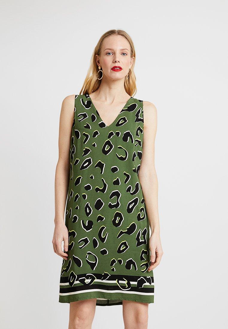 Wallis - ZINGY ANIMAL BORDER SHIFT DRESS - Vestido informal - khaki