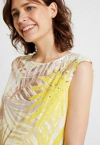 Wallis - Korte jurk - lemon - 4