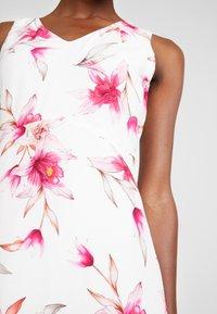 Wallis - Sukienka letnia - ivory - 5