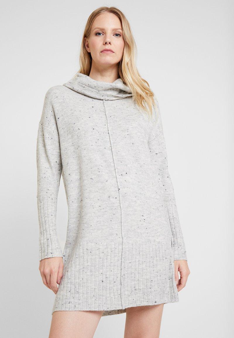 Wallis - NEPP COWL NECK DRESS - Vestido de punto - silver