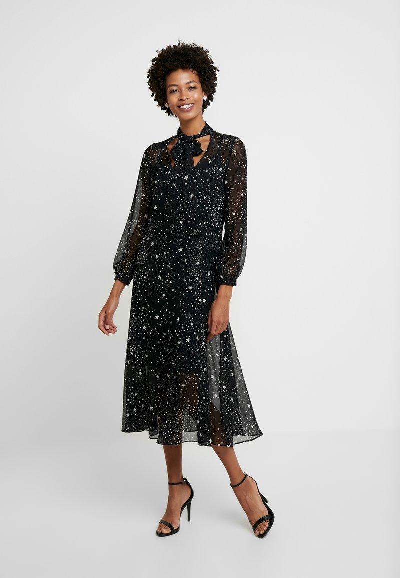 Wallis - STAR TIE NECK DRESS - Maxikjoler - black