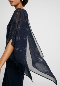 Wallis - GALAXY SPARKLE OVERLAYER - Vestido de cóctel - ink