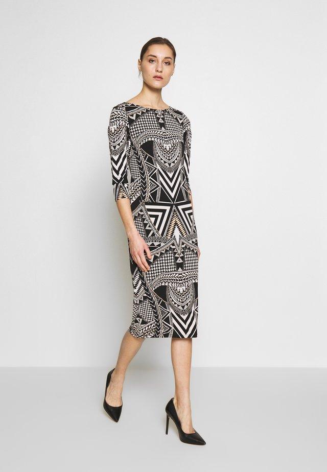 MONO AZTEC MIDI TUNIC - Sukienka z dżerseju - black/white