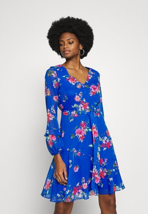 FLORAL RUFFLE SLEEVE FIT AND FLARE DRESS - Kjole - cobalt