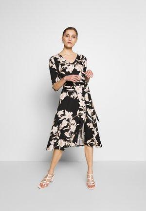 LINEAR FLORAL SWING DRESS - Jerseykjole - mono