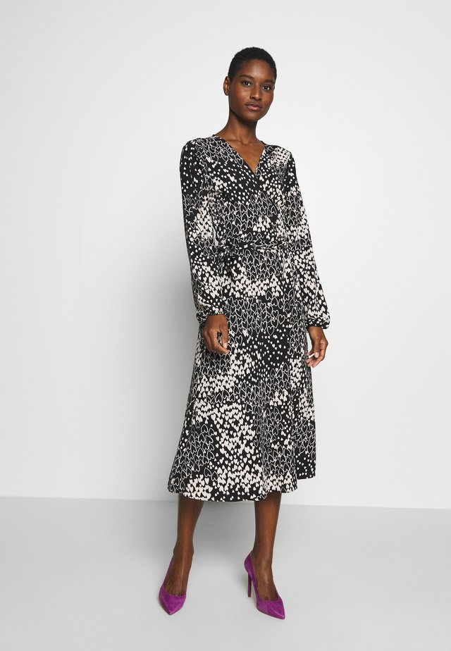 HEART PRINT MIDI DRESS - Korte jurk - black