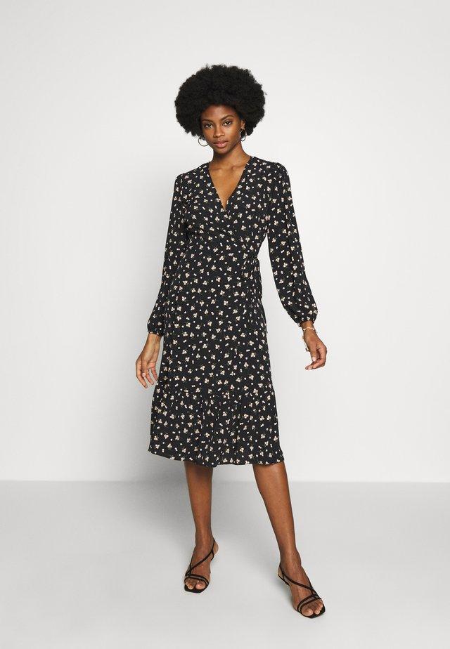 DITSY TIERED MIDI WRAP DRESS - Korte jurk - black
