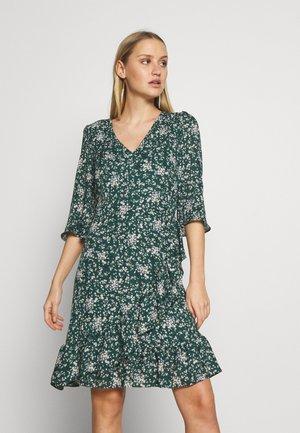 DITZY FLORAL RUFFLE FLUTE DRESS - Robe d'été - green