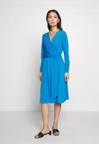 Wallis - Kjole - blue - 0