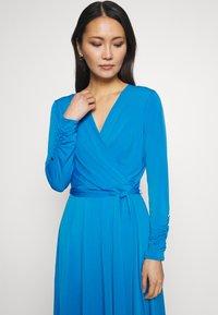 Wallis - Kjole - blue - 3