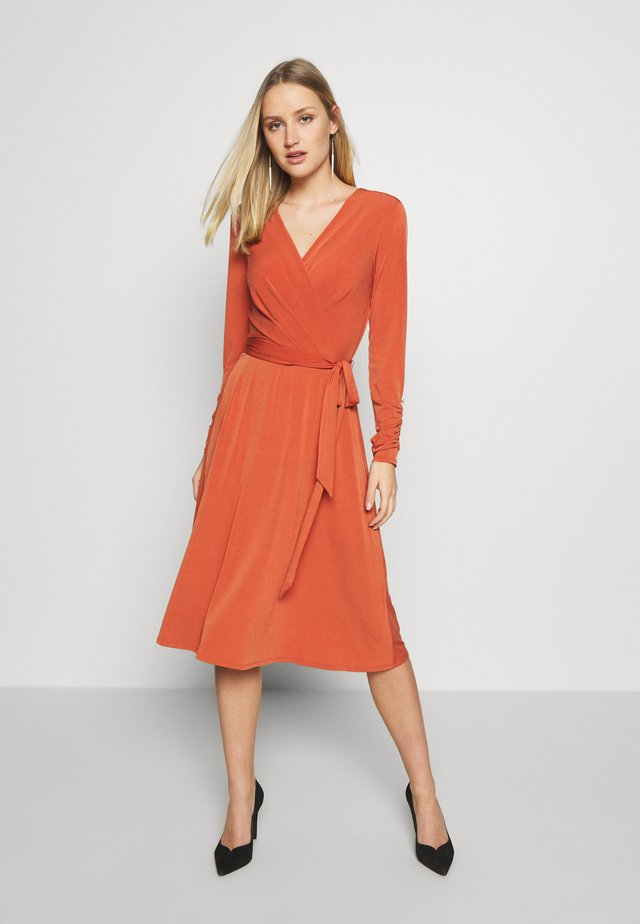 WRAP DRESS - Jerseyjurk - red