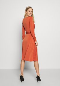 Wallis - WRAP DRESS - Robe en jersey - red - 2