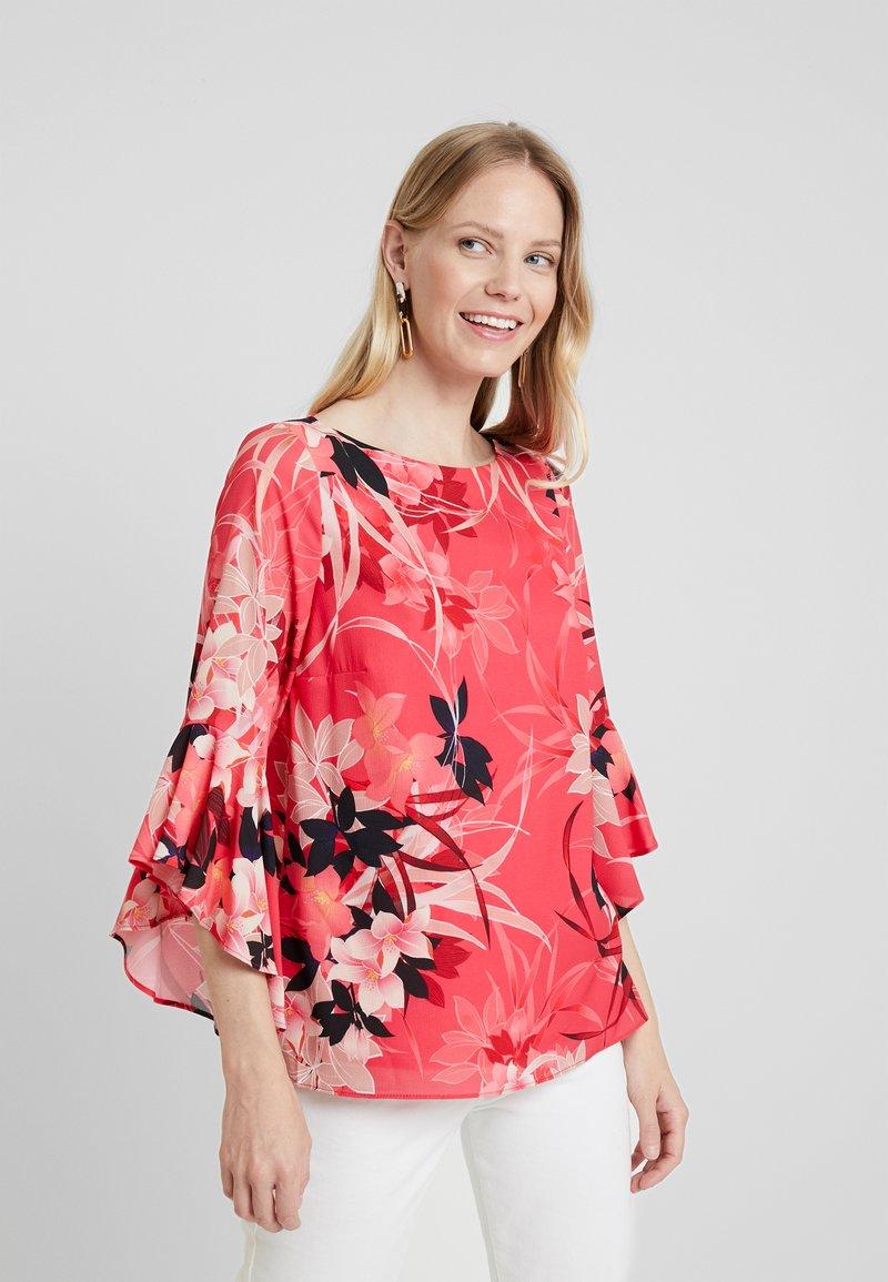 Wallis - VIVID ORIENTAL FLUTE SLEEVE - Bluse - pink