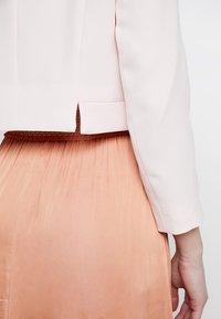 Wallis - CROP BOLERO  - Blazer - blush - 6