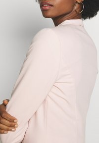 Wallis - CROP BOLERO - Blazer - blush - 5