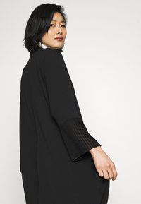 Wallis - TEXTURED PLEAT SLEEVE DUSTER - Lett jakke - black - 3