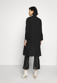 Wallis - TEXTURED PLEAT SLEEVE DUSTER - Lett jakke - black - 2