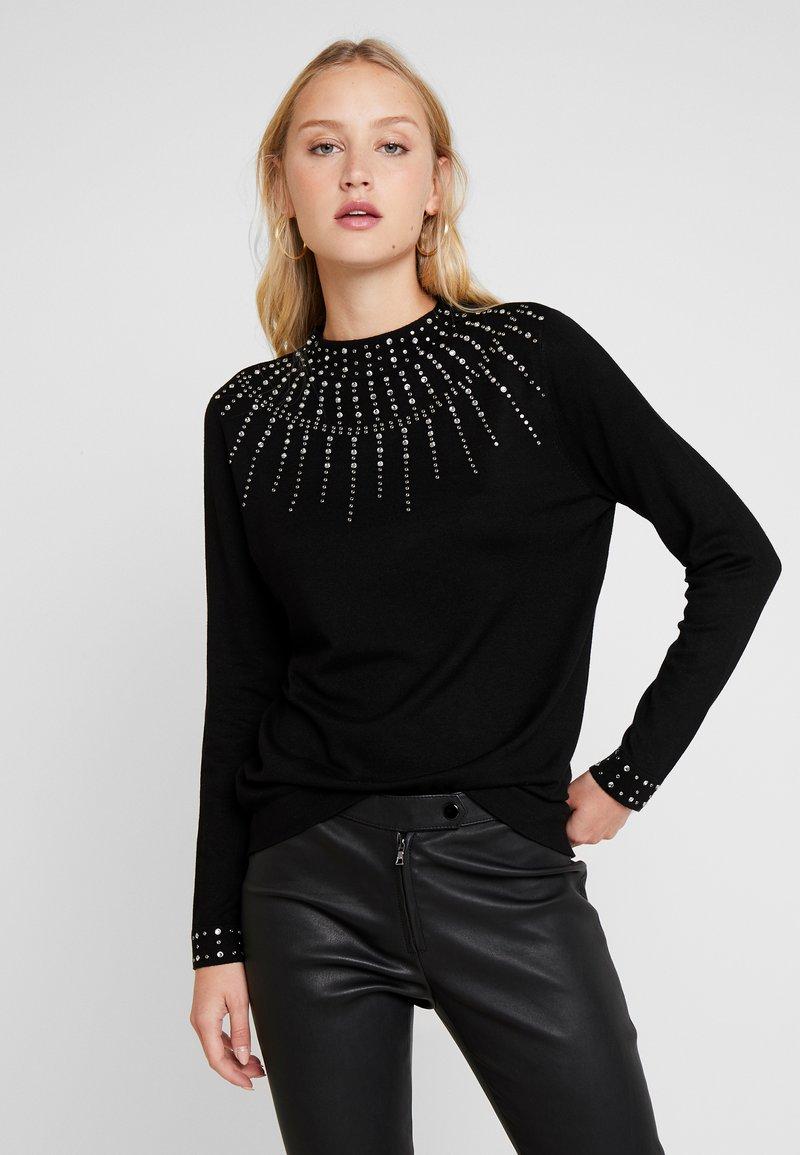 Wallis - Stickad tröja - black