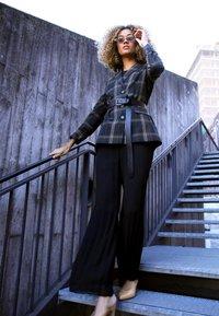 Wallis - PLEAT  - Jumpsuit - black - 5