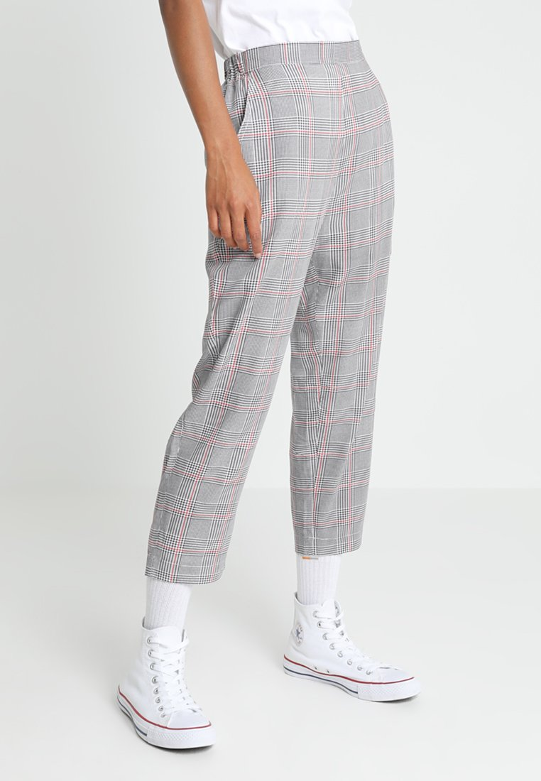 Wemoto - KATI CROPPED MASCIS - Pantalones - grey