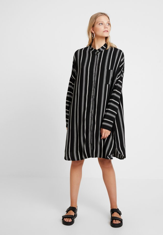 ELSON PRINTED - Blusenkleid - black/off white
