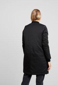 Wemoto - Krátký kabát - black - 2