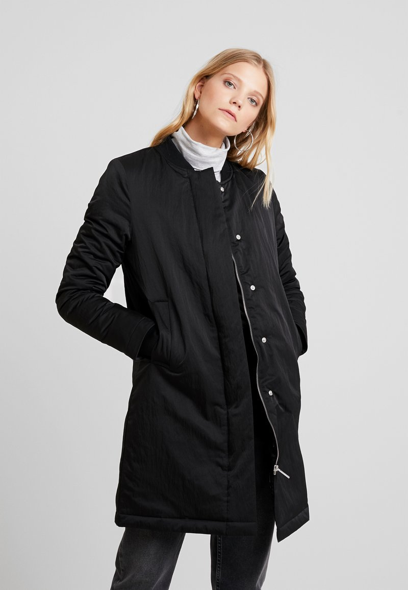 Wemoto - Krátký kabát - black