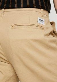 Wemoto - JOEL - Pantalon classique - sand - 5