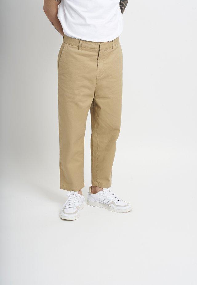 TERRELL - Pantalon classique - sand