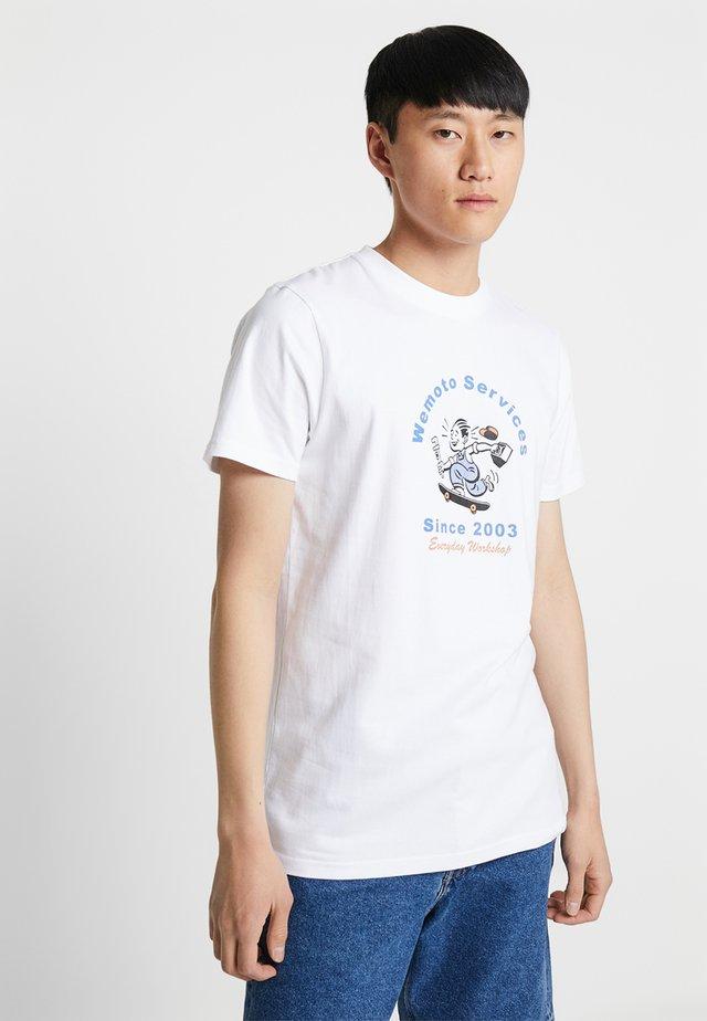 SERVICE TEE - Print T-shirt - white