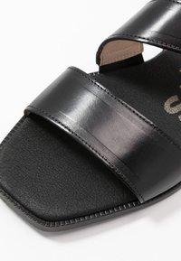 WONDERS - Sandaalit nilkkaremmillä - black - 2
