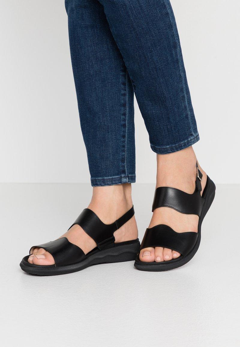 WONDERS - Sandaalit nilkkaremmillä - black