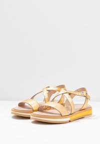 WONDERS - Sandals - golden - 4