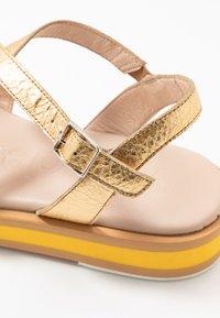 WONDERS - Sandals - golden - 2
