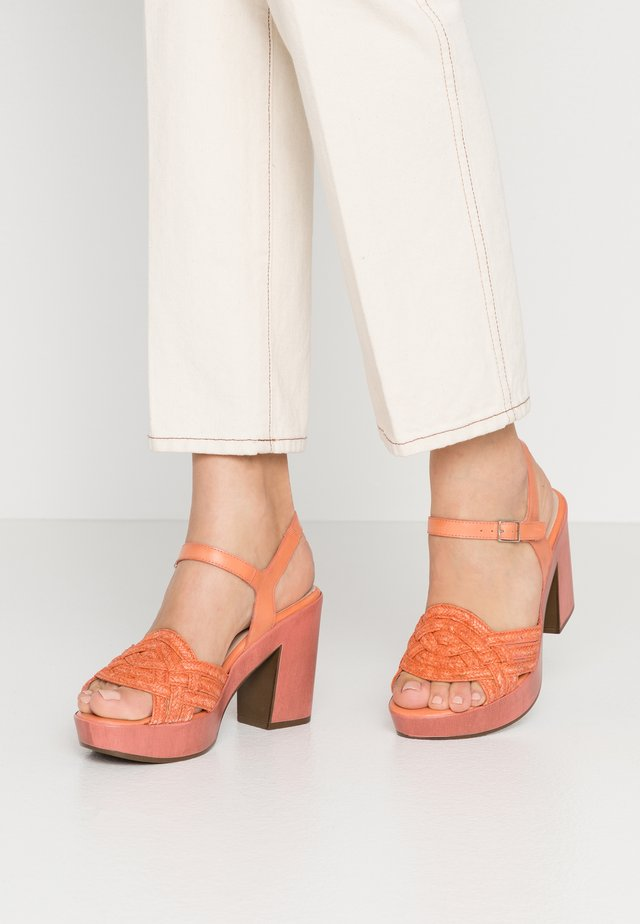 High heeled sandals - salmon
