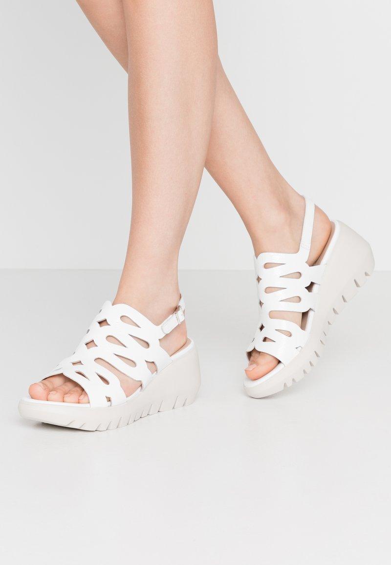 WONDERS - Korkeakorkoiset sandaalit - offwhite
