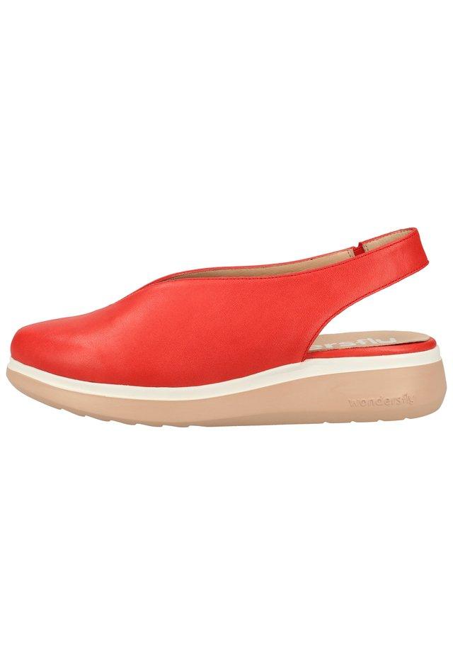 WONDERS HALBSCHUHE - Slingback ballet pumps - sauvag red