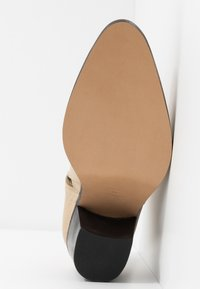 Won Hundred - CARMEN - Ankle boots - crème - 6
