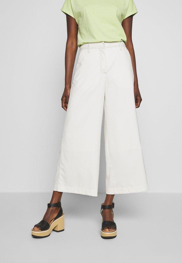 AMANDA - Trousers - seedpearl white