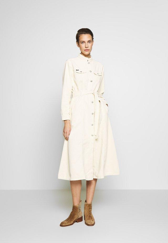 LAUREN - Kjole - white