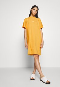 Won Hundred - BROOKLYN DRESS EXCLUSIVE - Jerseykjoler - yolk yellow - 1